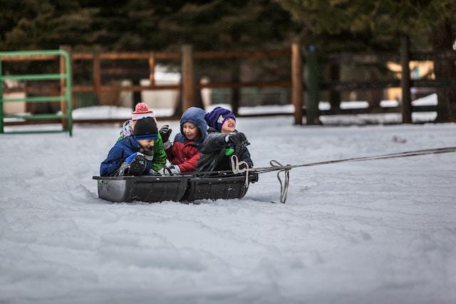 kids-fun-activity-snow-sled
